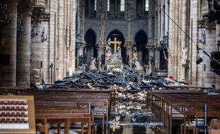 OTSEBLOGI, VIDEOD JA FOTOD   Tulekahju Pariisi Jumalaema kirikus: suur osa hoonest hävis, tuli saadi kontrolli alla kella kolme ajal öösel. President Emmanuel Macron lubas, et kirik taastatakse