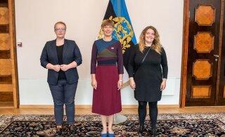FOTO | President Kersti Kaljulaid sai LGBT ühingult vikerkaarekangelase märgi