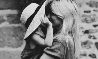 Uuring heidab valgust: just selles vanuses hakkavad naised oma emale aina rohkem sarnanema