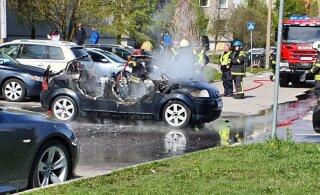 ФОТО | В Ласнамяэ сгорел неисправный автомобиль