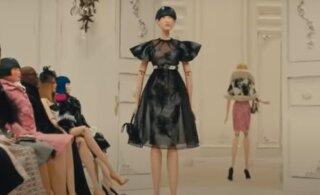 ФОТО И ВИДЕО | Креативно и безопасно! На Неделе моды в Милане бренд Moschino заменил моделей и гостей куклами