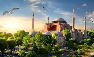 График | За 1500 лет Святая София в Стамбуле была и главным христианским храмом, и мечетью, и музеем. Эрдоган решил возродить османское наследие