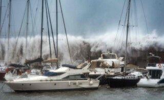 ВИДЕО | Жертвами шторма в Испании стали 13 человек