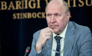 Треть читателей RusDelfi выступают против отставки министра внутренних дел Марта Хельме
