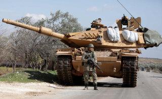 Запутанная ситуация в сирийском Идлибе: российская авиация нанесла удар по турецким военным?