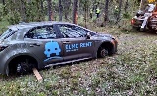 ФОТО | Воры арендовали автомобиль, уехали на нем в лес под Таллинном и сняли колеса