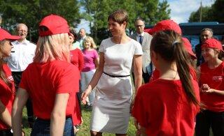 ФОТО | Президент Кальюлайд посетила Спасательный лагерь для русскоязычных ребят