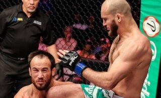 ВИДЕО: Российский боец нокаутировал американца за 10 секунд
