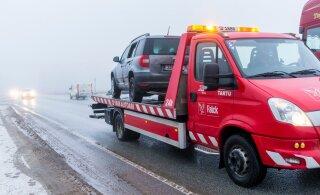 Hiigelsumma eest soetatud kasutatud auto jäi poolteist tundi pärast ostu tee äärde seisma