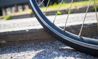 За первые 6 дней августа в Эстонии произошло 11 ДТП с участием велосипедистов, самому маленькому пострадавшему 6 лет