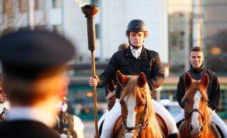 FOTOD | Jürituli jõudis ratsahobuste saatel pidulikult Lasnamäele