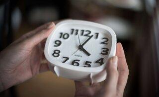 Не забудьте перевести часы! Предстоящей ночью Эстония переходит на зимнее время