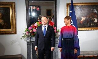 FOTOD | Vaata, kes olid kutsutud Tallinnas toimuva kolme mere tippkohtumise õhtusöögile Kadriorus