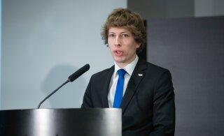 Sotsiaalminister näeb vajadust seadusemuudatuseks, et tõsta lastekodulaste ja hooldusperede toetuste piirmäärasid