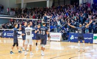 Eesti võrkpalliklubide eurorekordit korrata ihkava Saaremaa avasamm oli veidi ebalev, kuid edukas