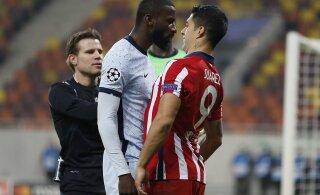 FOTOD | Luis Suarez kasutas Meistrite liigas taas alatut võtet. Jalgpallilegendidel oli aga nalja nabani