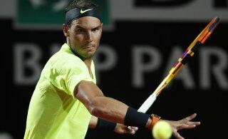 Rafael Nadal ennustab keerulist French Openit: siin on nii külm ja pallid on rasked