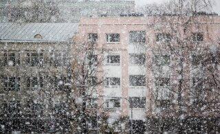 Läheb talviseks: nädalavahetusel sajab lund ja lörtsi, teeolud on endiselt libedad