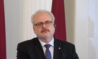 Президент Латвии заявил, что народ мало думает об общем благе, и призвал быть готовыми платить более высокие налоги