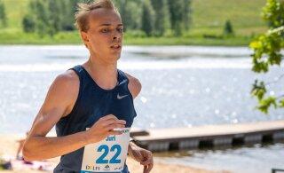 ФОТО: Ковалев и Патюк выиграли забег вокруг озера Пюхаярве