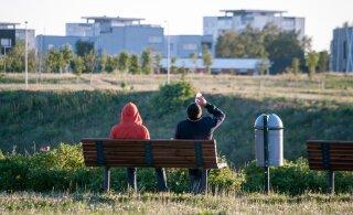 В Тарту 12-летний мальчик распивал на улице алкоголь с мужчиной вдвое его старше