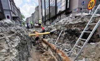 ФОТО | Обнаруженные на улице Роозикрантси археологические находки повлияют на график ремонтных работ