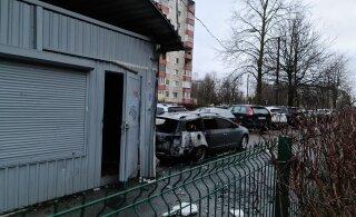 ВИДЕО | На Кярбери ночью сгорел автомобиль. Хозяин считает, что это поджог