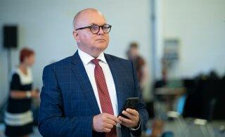 Urmas Reitelmann ähvardab saatkonna memo avaldanud ERR-i: kui süüdlasi ei vallandata, tuleb lahkuda juhatuse esimehel ja seejärel süüdlastel nagunii