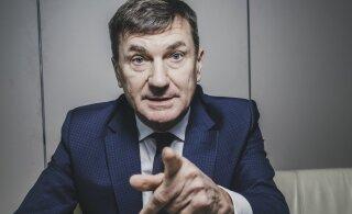 """Ансип поссорился с членами Еврокомиссии из-за """"умных"""" машин"""