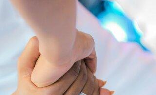 Kaks kolmandikku abielunaistest unistab oma mehe petmisest
