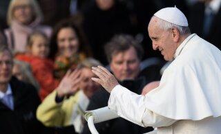 Папа Римский отслужил всеобщую молитву из-за эпидемии коронавируса