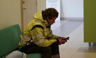 FOTOD ja VIDEO | ATV-ga kohtumaja ette saabunud tõsielustaar Kalvi-Kalle sai taas lubadeta sõidu eest karistada