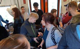 ФОТО читателя | В вагоне таллиннского поезда велосипедный коллапс
