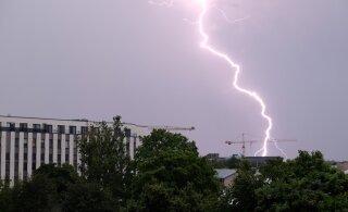 Riigi ilmateenistus hoiatab: keskpäeval algab tugev äikesevihm