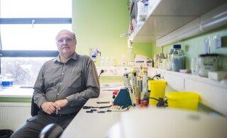 Viroloog Andres Merits: mida vanemad on lapsed, seda suurema tõenäosusega võivad nad õpetajat nakatada