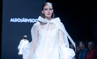 ФОТО | Архитектурность и летящие платья. Самыми яркими показами третьего дня TFW стали August и Embassy of Fashion