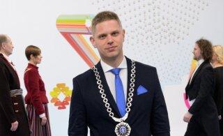 FOTOUUDIS | Millise spordivõistkonna särgis tuli täna tööle Paide linnapea?
