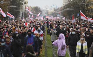 ФОТО И ВИДЕО | Протесты в Беларуси: силовики применили в Минске спецсредства. Сообщается о 150 задержанных