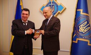 В ходе визита в Киев министр обороны Луйк отметил важность скорейшего вывода российских войск с Украины