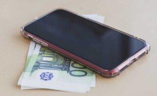 Мужчина нашел дорогой телефон и потребовал с хозяйки половину от его стоимости
