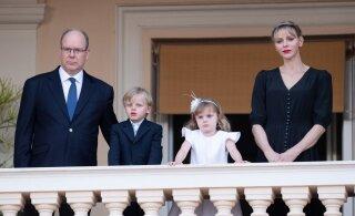 KLÕPS | Ootamatult tavaline perepilt! Monaco prints Albertit ei tunne puhkusel äragi