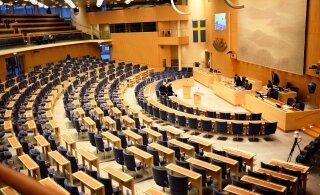 Шведская оппозиция хочет от правительства разъяснений по крушению парома и призывает не портить отношений с Эстонией