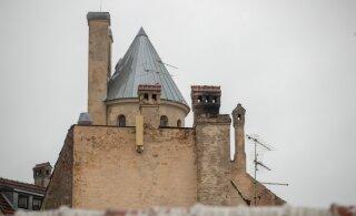 SUUR FOTOLUGU | Avastamata linn ehk Metallikolakad, pikutavad moosekandid ja Don Juanid iidse Tallinna katustel