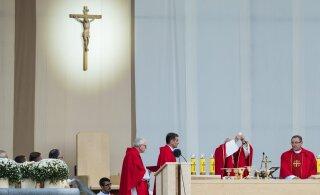 Бывший папа римский Бенедикт XVI тяжело заболел после посещения Германии