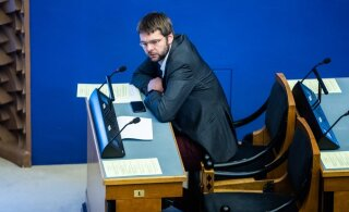 Jevgeni Ossinovski ei liitunud erakonnakaaslaste ja reformaritega Mart Järviku umbusaldamisel