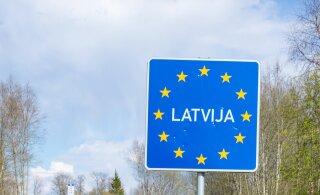 В Латвии пограничника обвиняют в получении взятки за попытку провезти через границу нелегалов
