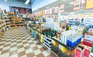 Торговля спиртным на границе с Латвией: жители Эстонии уже нажали на тормоз