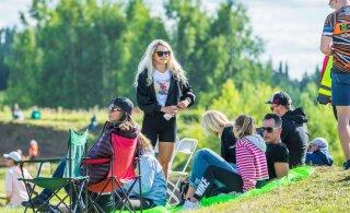 FOTOD | Number 1 fänn! Brigitte Susanne Hunt käis oma kuuma peikat rajaääres toetamas