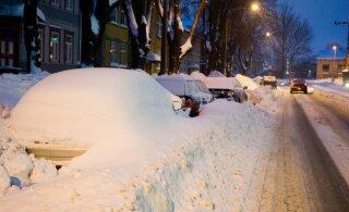 Опрос: почти половина жителей Эстонии не против введения налога на уборку снега