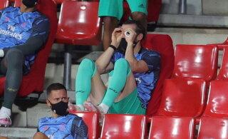 Nagu puhkusel: superstaar Gareth Bale otsustas Reali mängu ajal taas lollitada